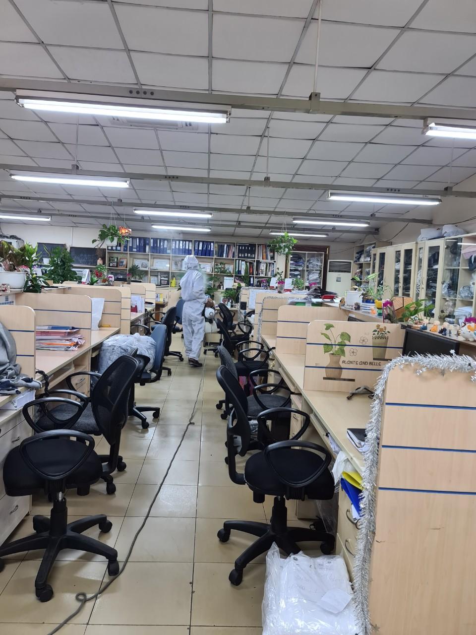 Khử trùng văn phòng chống covit lây lan